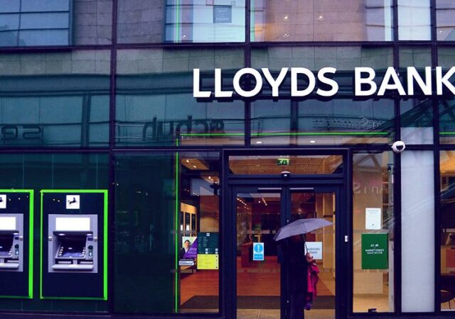 lloyds-banking-group-reportedly-hit-by-ddos-showcase_image-10-a-9648-freshblue